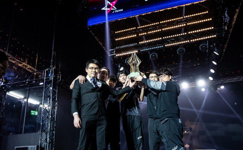 Chúc mừng nhà Vô địch AIC 2018 J Team, FL cố lên đây chỉ là bước khởi đầu!!